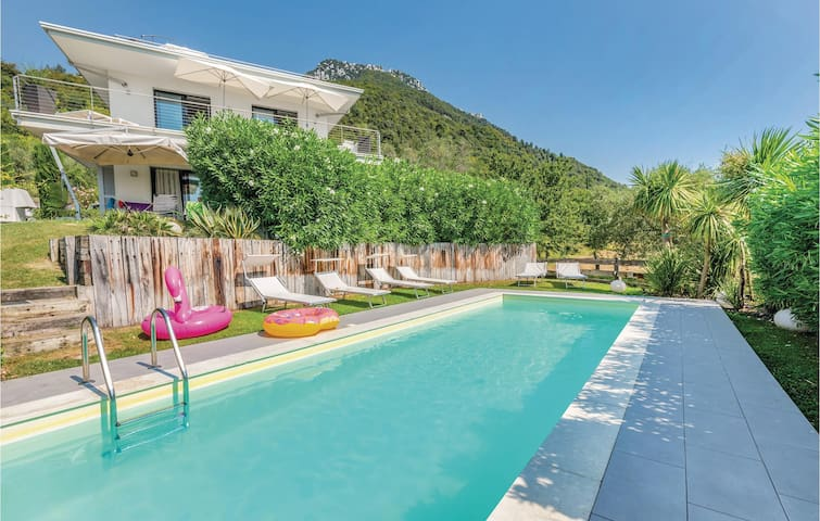 Holiday apartment with 2 bedrooms on 80m² in Gaino