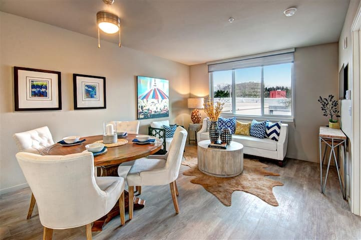 Entire apartment for you | 1BR in Renton