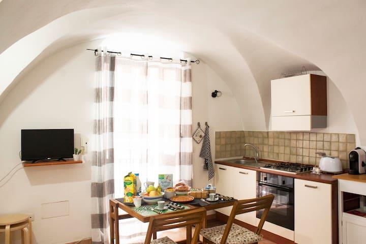 Cozy studio in the historic center of Bosa