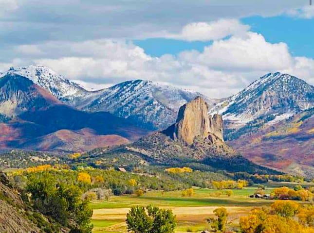 Crawford's Mountain View Getaway