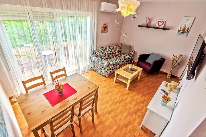 Plaza de Toros 3-Bedroom Apartment with Balcony