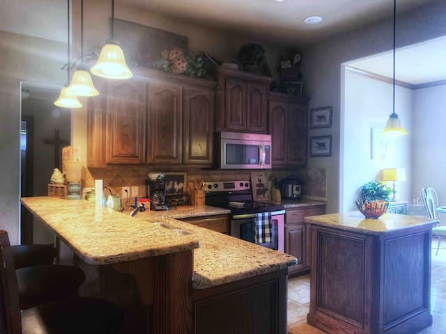 Luxury and Location! Near Fort Sill ARMY Post