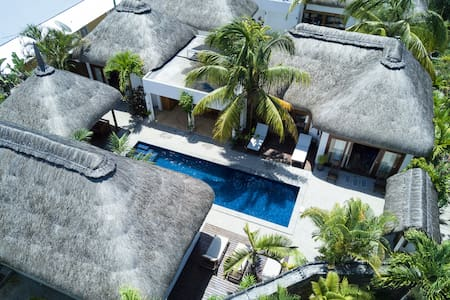 Harmonie 4 bedroom private villa& pool- beach 500m