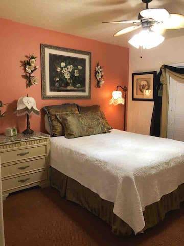 Orlando Golf- Community 2 bedroom suite@Rio pinar