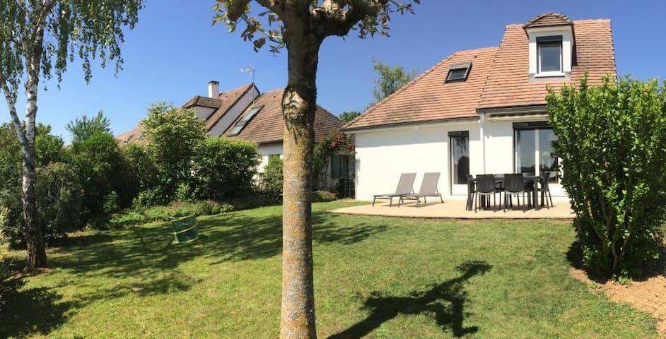 Mesnil-Saint-Père的民宿