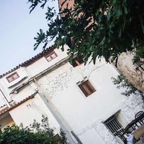 Canalejas del Arroyo的民宿