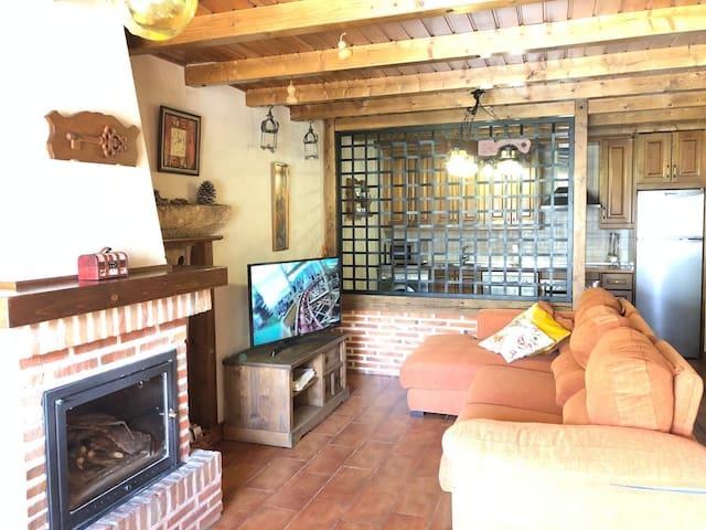 Navalguijo, Navalonguilla的民宿