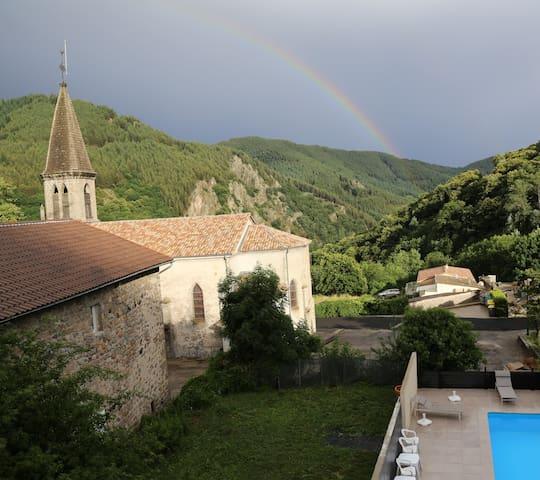 Aizac的民宿