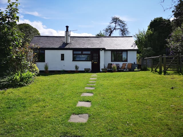 Cottage in heart of Clwydian Mountain 🐕 Welcome
