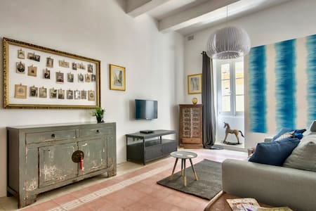 Valletta Art Loft with seaview
