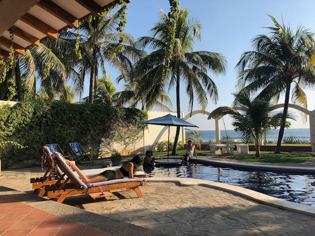 Playa Ticuizapa的民宿