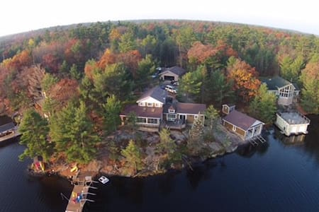 Muskoka Lake Retreat