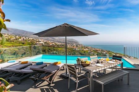 Villa CLEMENTINA| Cliffs & Ocean| Heated Pool 28ºC