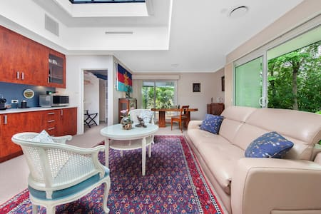 The Annexe - luxury garden studio