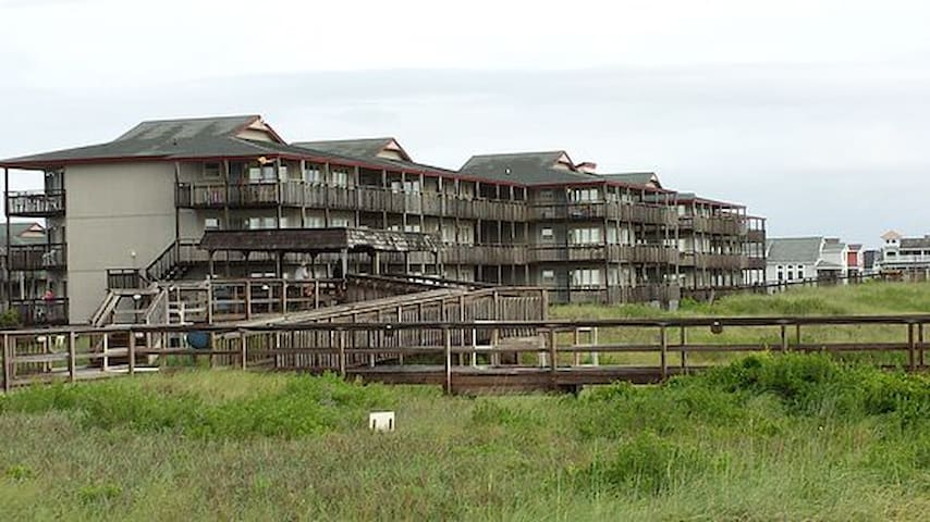 Central OBX location! KDH Condo on the beach road.