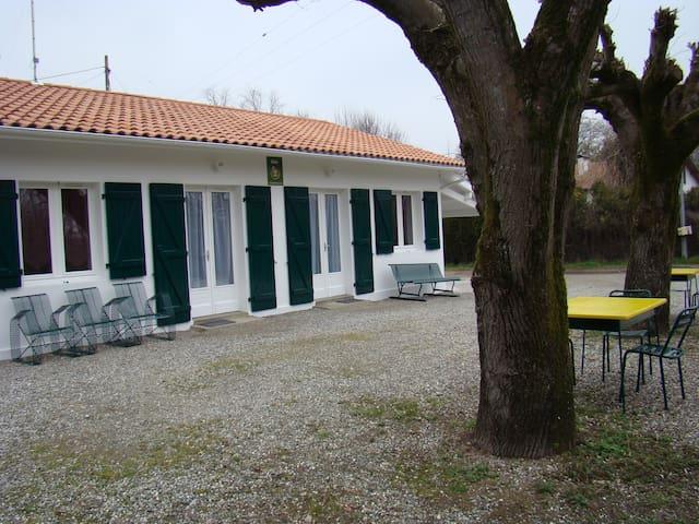 Pontonx-sur-l'Adour的民宿