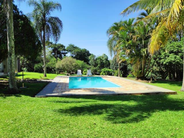 Jardim Brogota的民宿