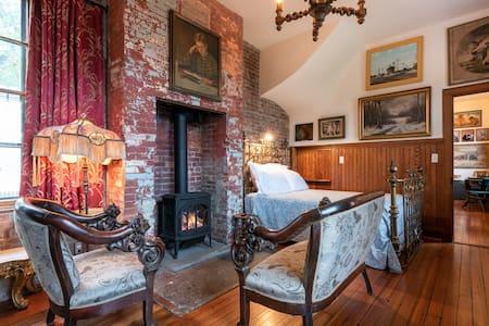 The Sara Tracy House, Whitman Room
