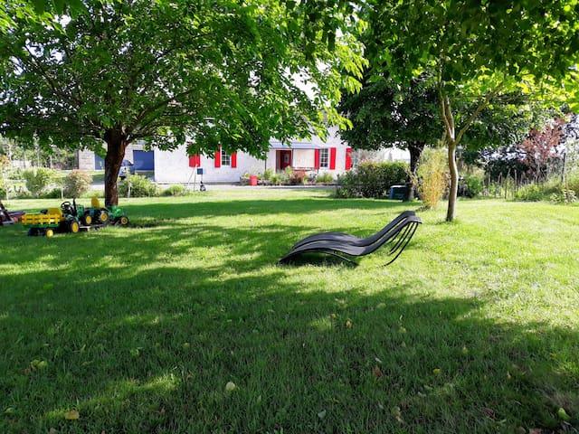 Montlieu-la-Garde的民宿