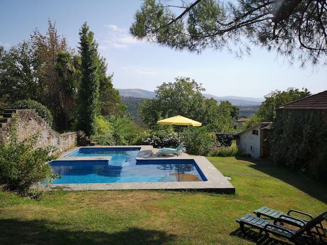 Historic hillside Quinta - pool & mountain views