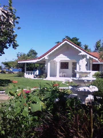 Little Cottage by the Sea, Poinciana Acres