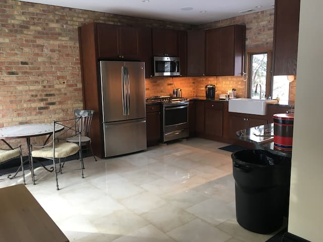 Gorgeous Two Bedroom home! 2880 Duffy Lane