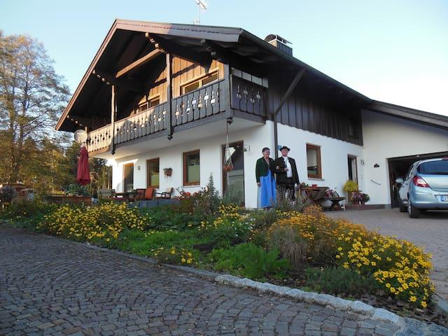Iffeldorf的民宿