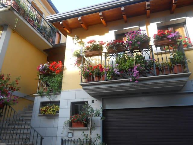 Sant'Angelo Le Fratte的民宿