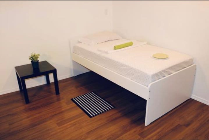 Room for single occupancy only/ close to U of M/