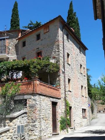 Tuoro Sul Trasimeno的民宿