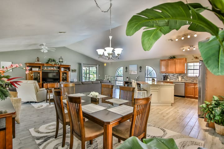 Beautiful 3/2, Heated Pool, Minutes From The Ocean