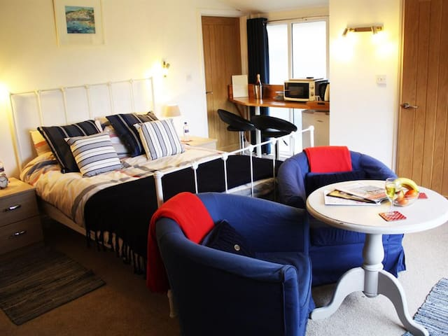Riverview ground floor king size room