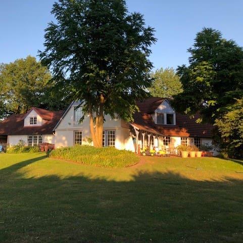 Klein Rönnau的民宿