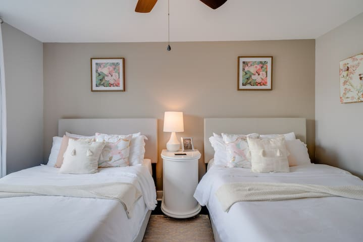 Comfy East Nash Private Suite with 2BDs