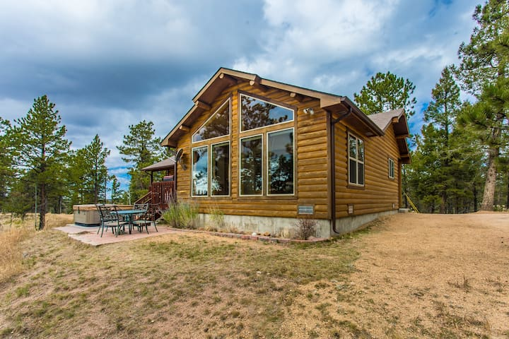 Elk Spring Cabin, Divide home with a View