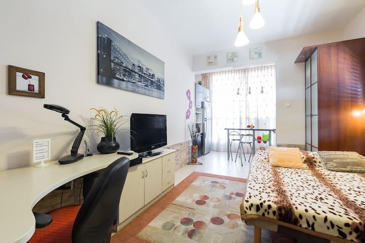 Beautiful studio in the center of Bat Yam