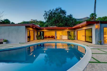 MidCentury Home,Saltwater Pool, LEGAL VacationRent