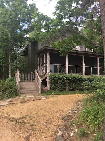 Moonlake Lodge