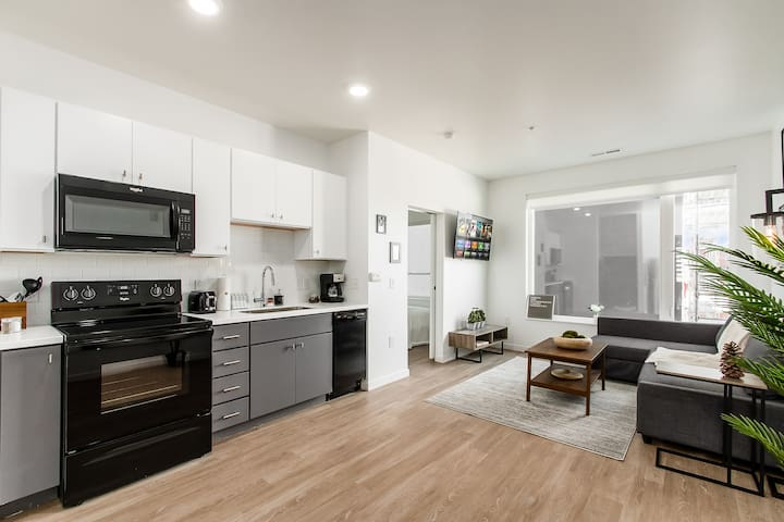 BRAND NEW GORGEOUS 1BR APARTMENT I GYM + FREE PARK