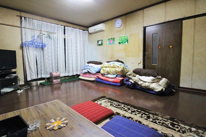 Room3★Hanabatake large old house TsuruokaSt15min
