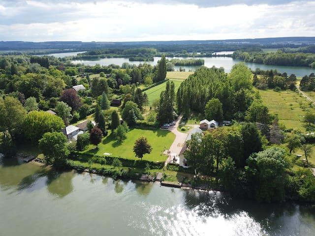 Tournedos-sur-Seine的民宿