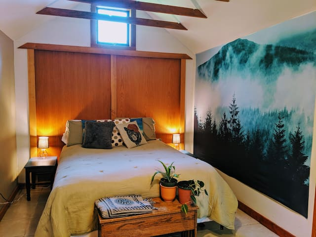 Urban Forest Guesthouse: Inclusive and Convenient