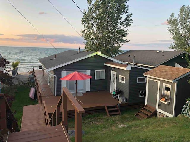 Beautiful Lake House - Sea Breeze - Irondequoit