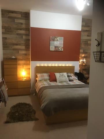 Stylish double room with en suite.