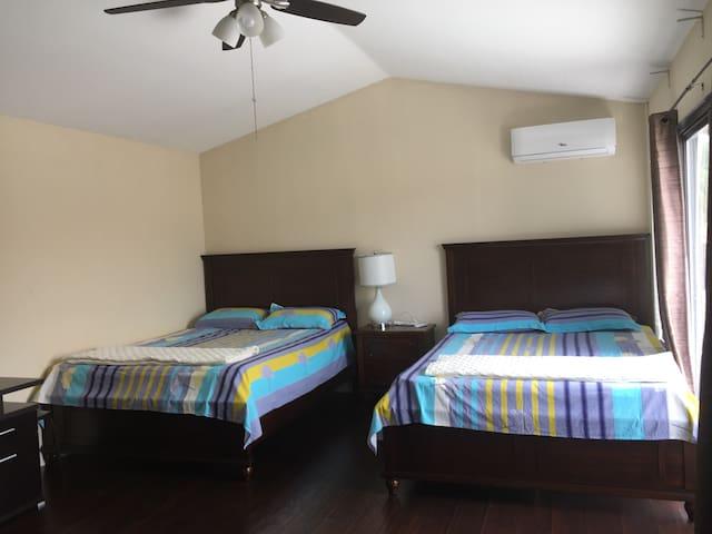 Cozy and private casita in Corona