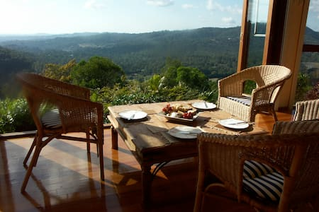 Stunning views, secluded, close to town
