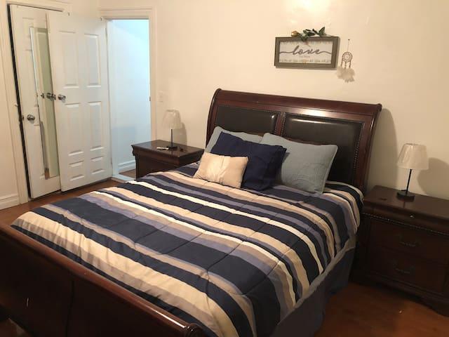 Cozy 1 Bedroom Apartment in Brooklyn!!