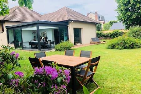Superb House, Large garden, Deauville center