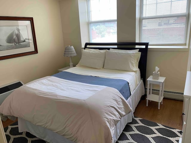 Centrally located Salem 1 Bedroom Apartment