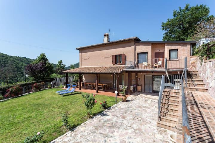 Strettura, Spoleto的民宿